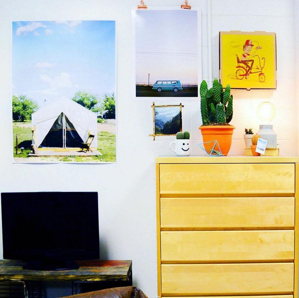 hang prints