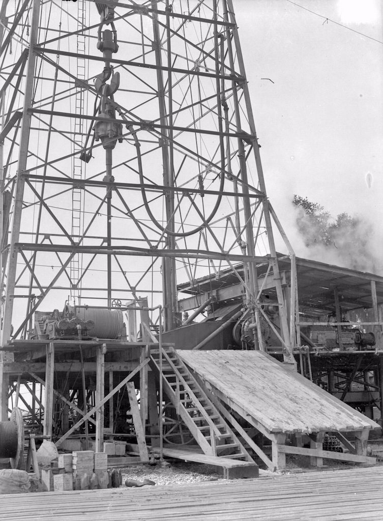 houston 1940s oil well