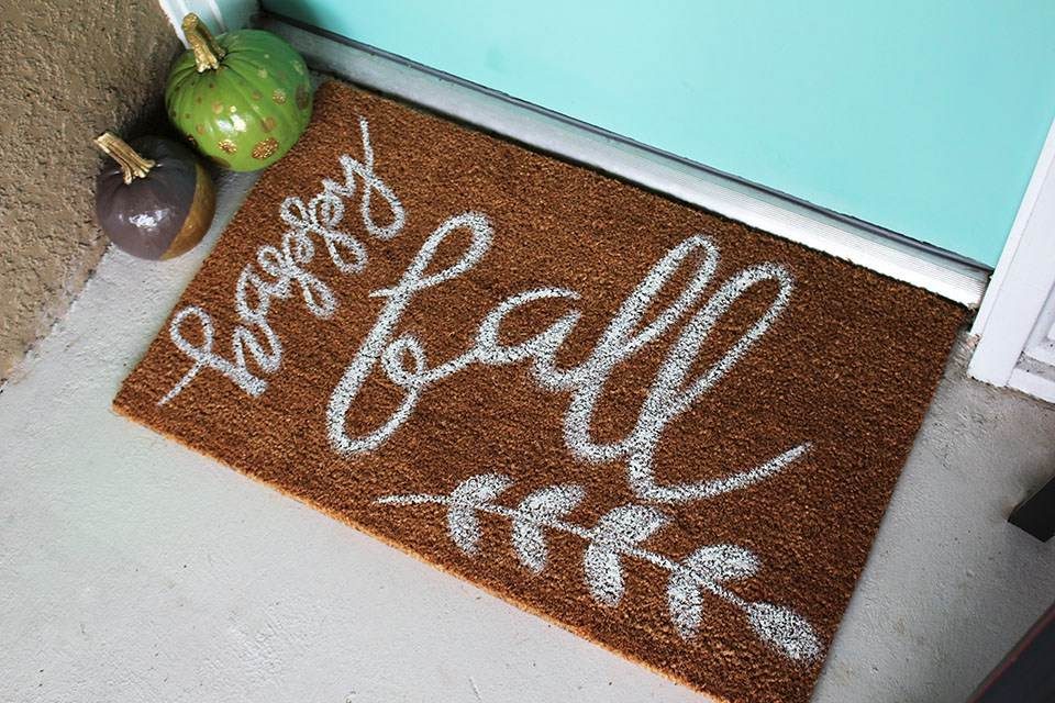 Fall-Doormat-DIY-compressed