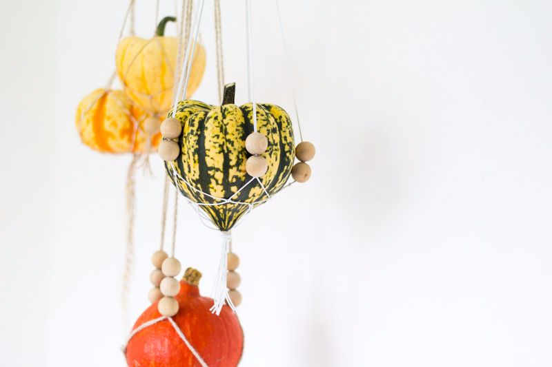 Fall-For-DIY-Hanging-Pumpkins 2-compressed