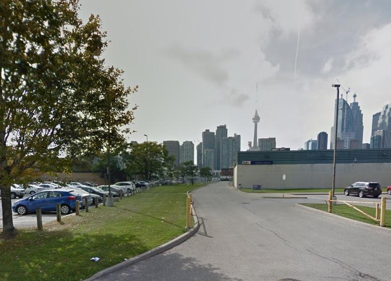 215-laneshore-boulevard-east