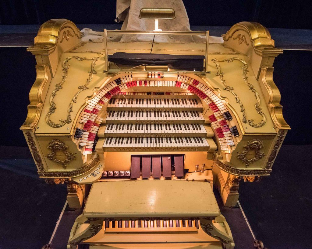 paramount theater organ