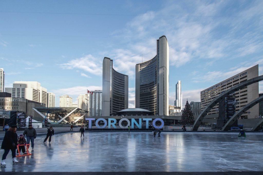 JPbombales_TorontoCityHall1
