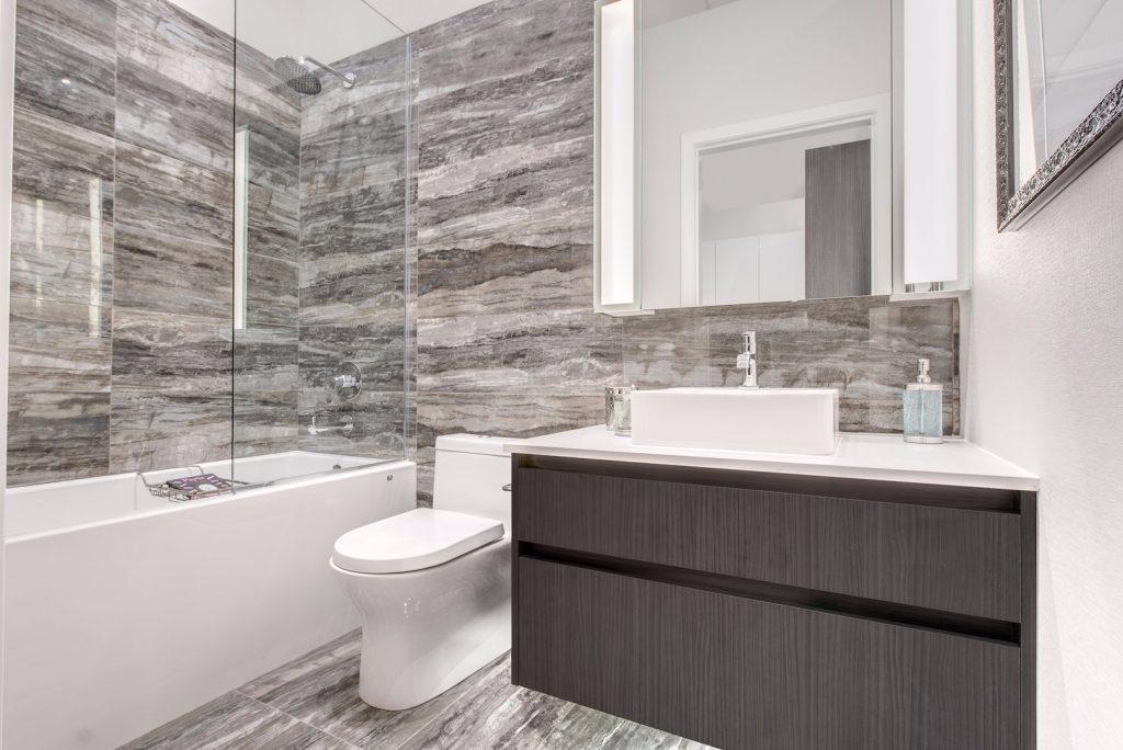 triomphe bathroom