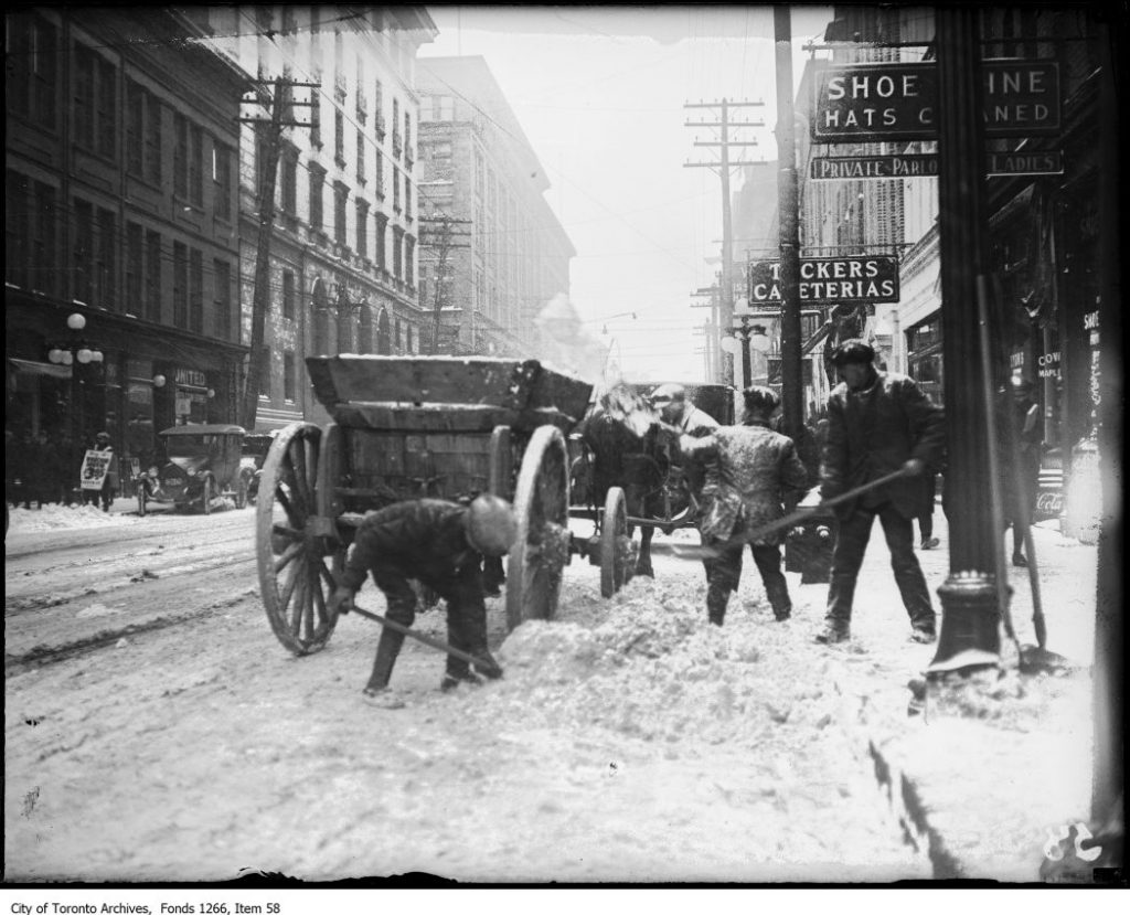 Snow shovellers, Queen St.. - December 28, 1922