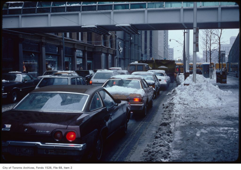 Queen St W from Yonge - snow plows