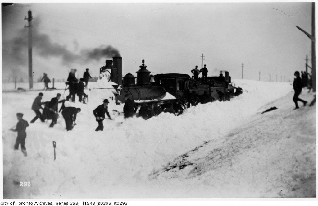 train-winter-toronto