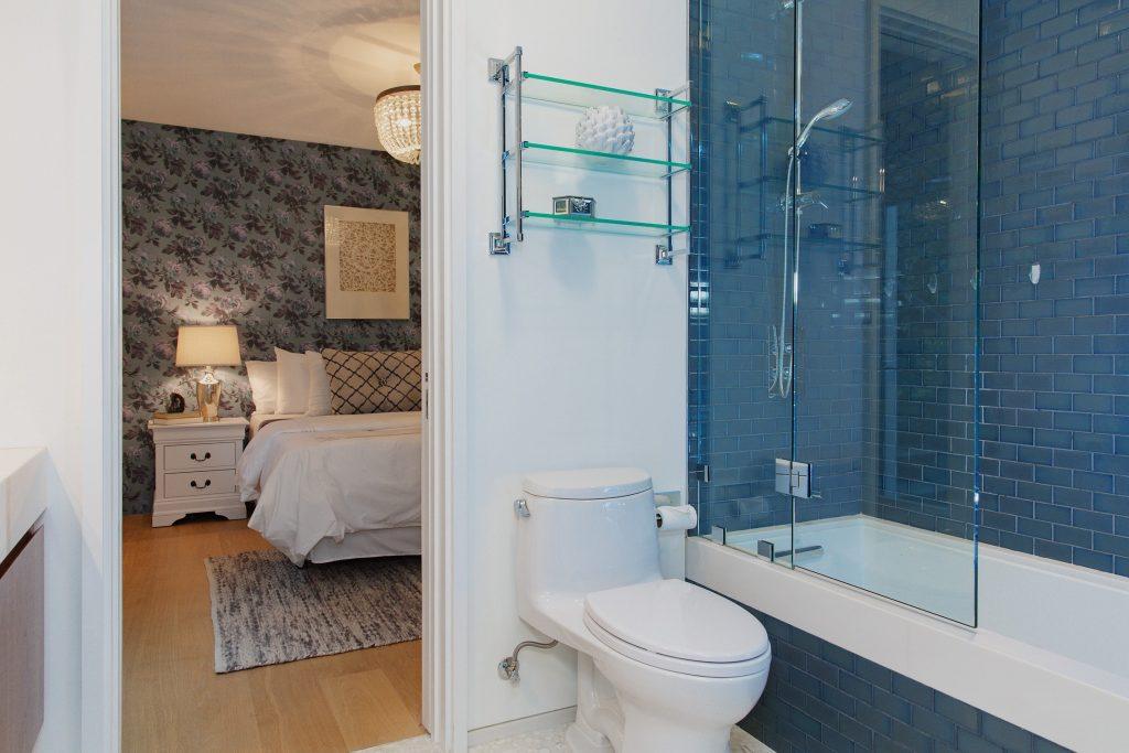 blue bedroom-min