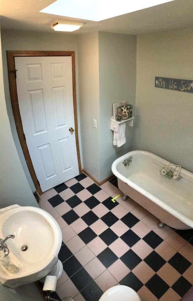 bathroom before-min