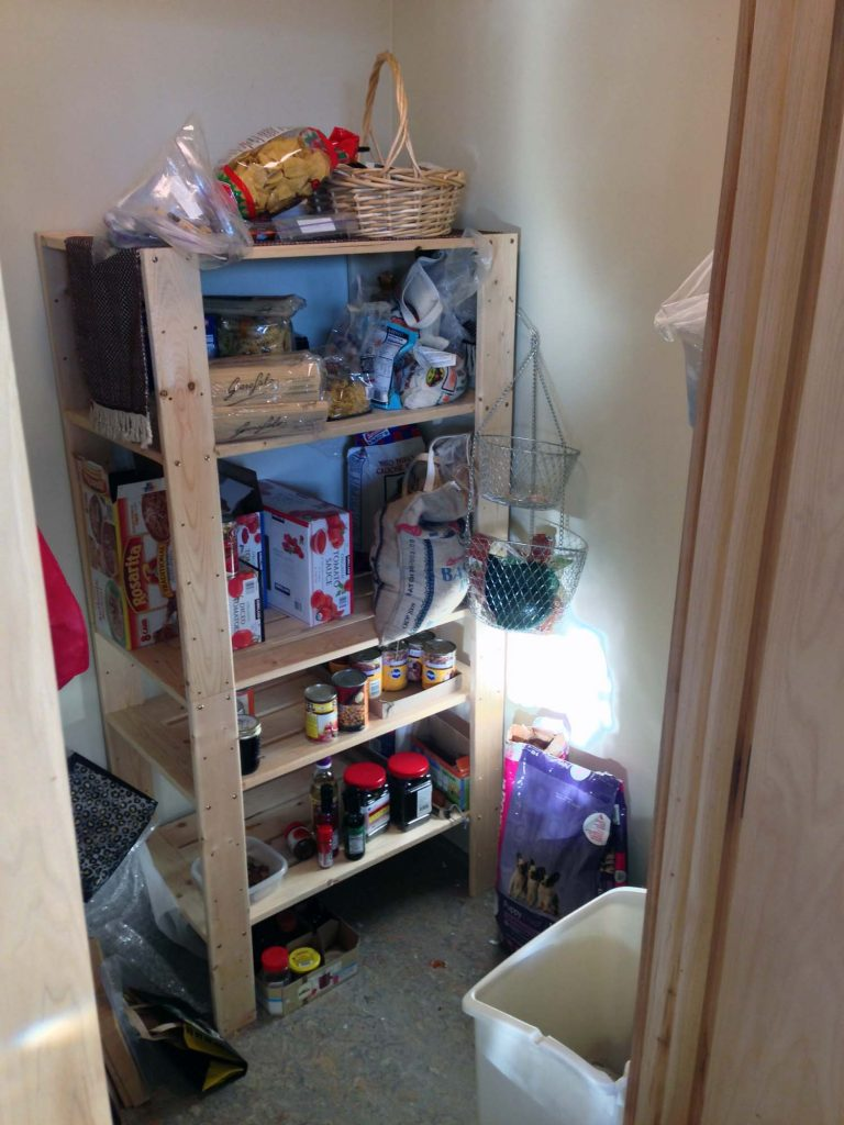 pantry before-min