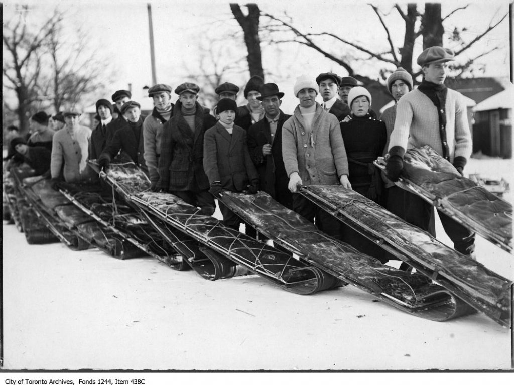 Lineups for toboggan runs, High Park. - [between 1910 and 1920]