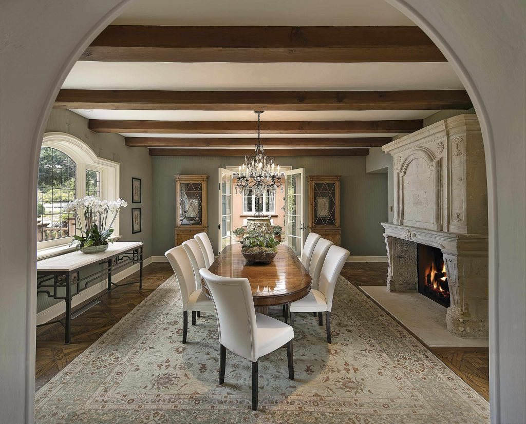 21 exquisite spaces with exposed beam ceilings