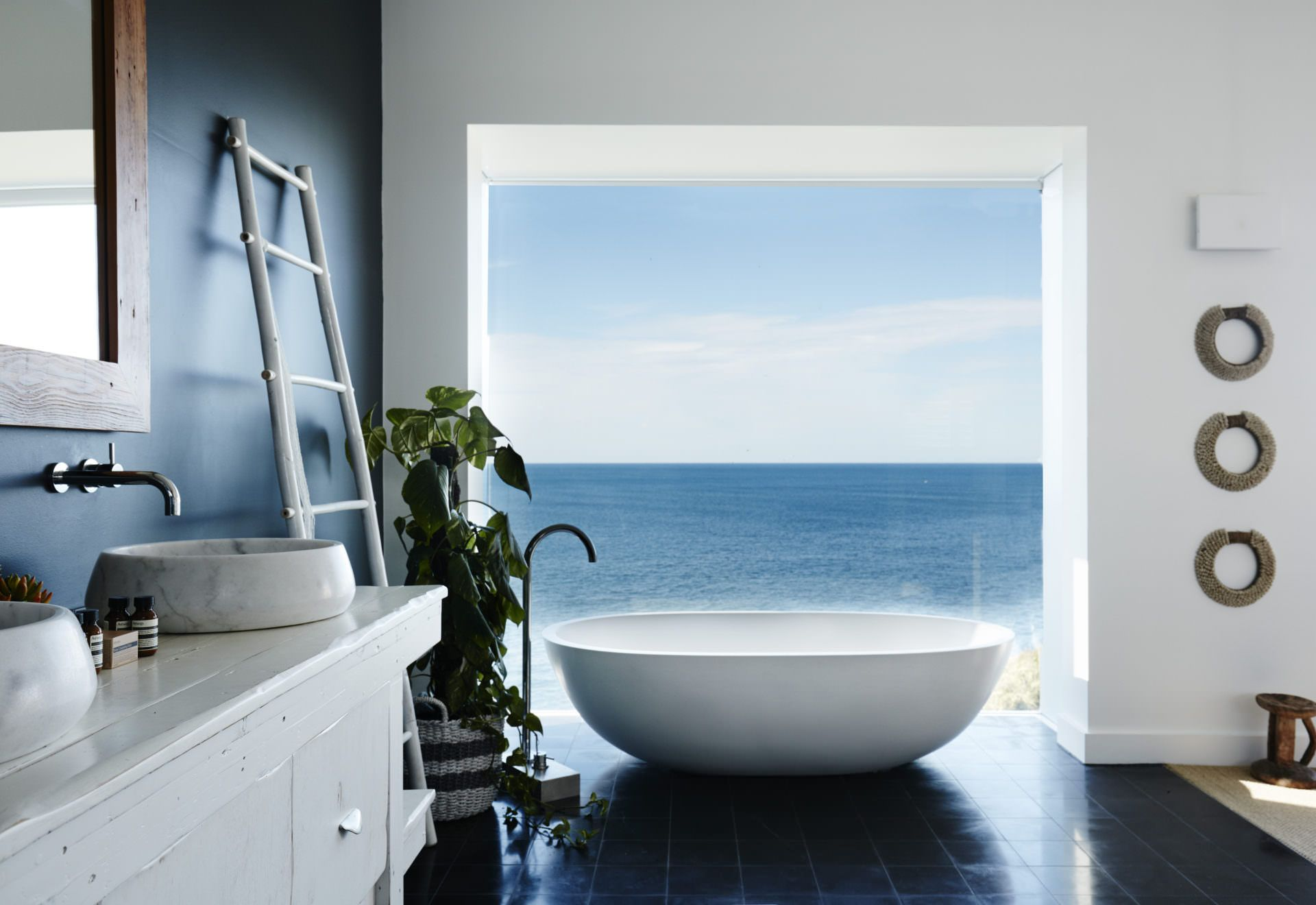 15 breathtaking bathtubs we would love to soak in