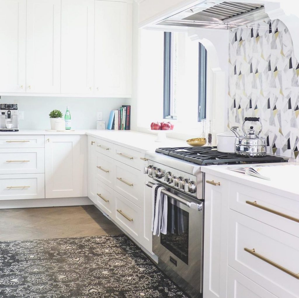 19 kitchen backsplash ideas we\'re completely obsessed with