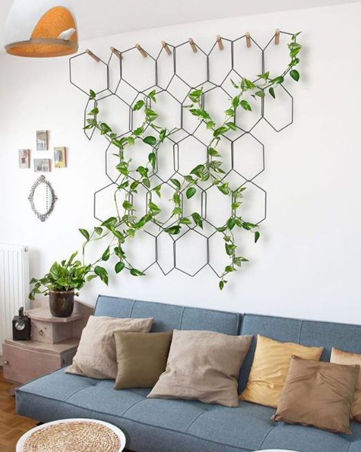 16 decorating solutions for a big blank wall
