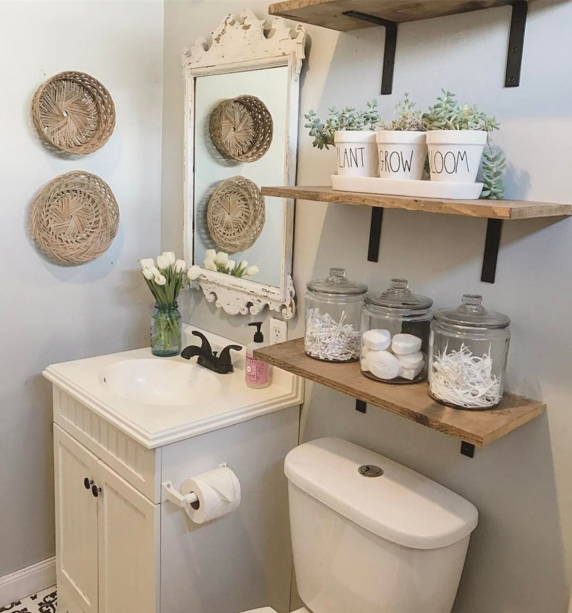 13 Bathroom Organizing Ideas For Budget Savvy Homeowners