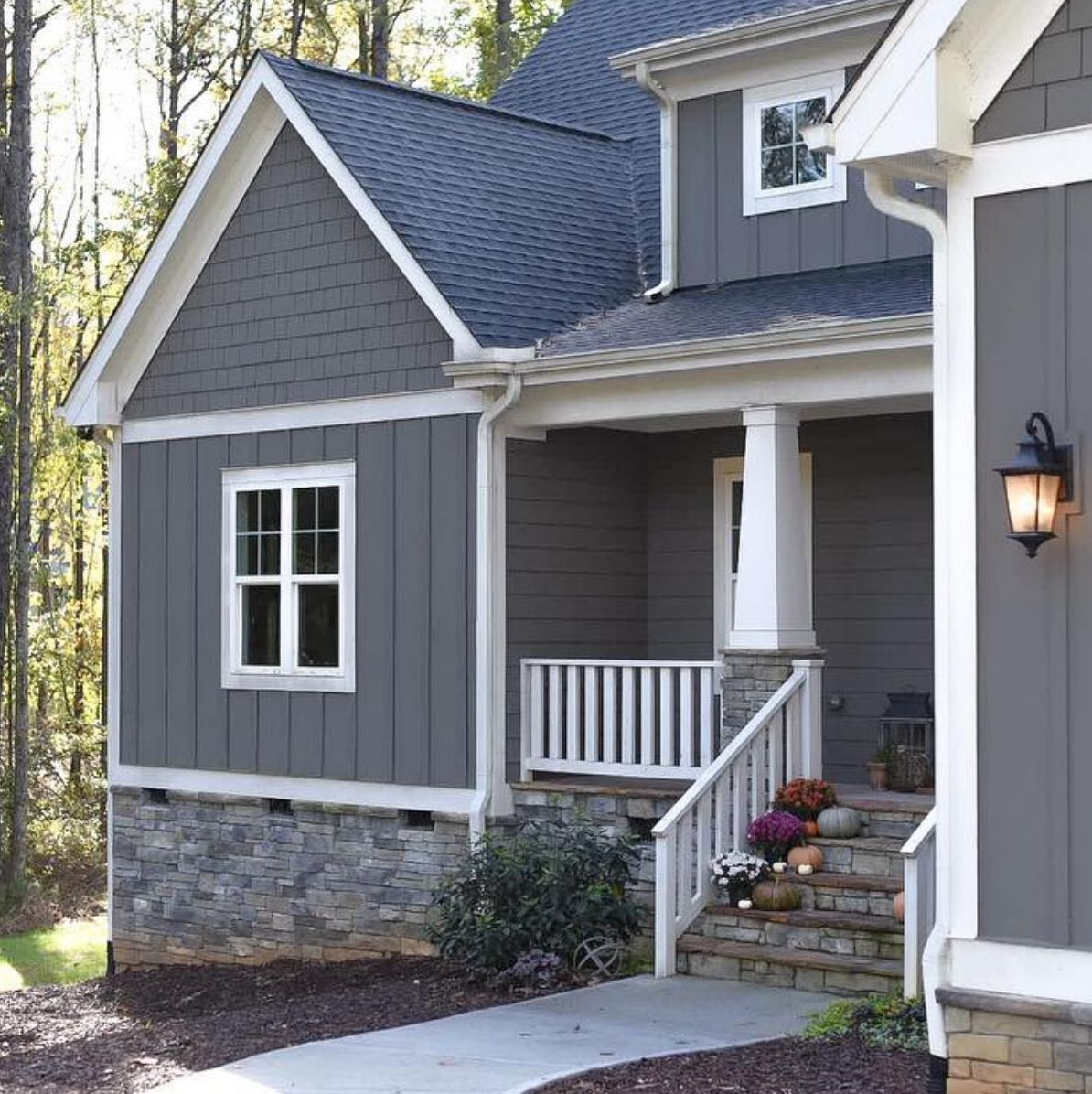 17 Curb Appeal Ideas That Will Entice Homebuyers