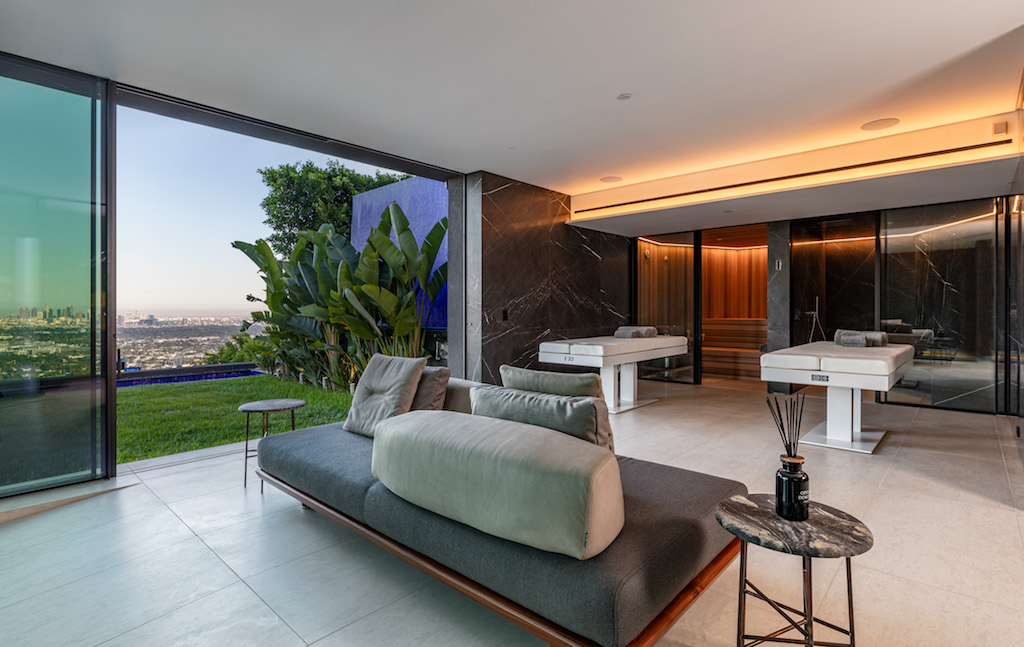 Inside The 43 9 Million Hollywood Mansion Made Famous By Selling Sunset