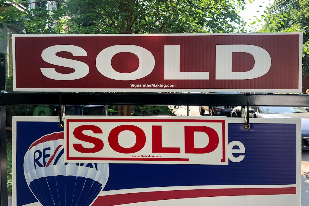 Toronto home prices spike-compressed