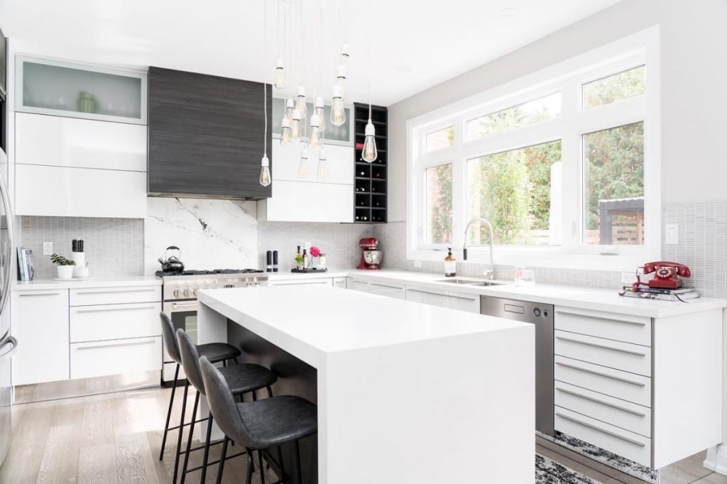 4.monochromatic family kitchen