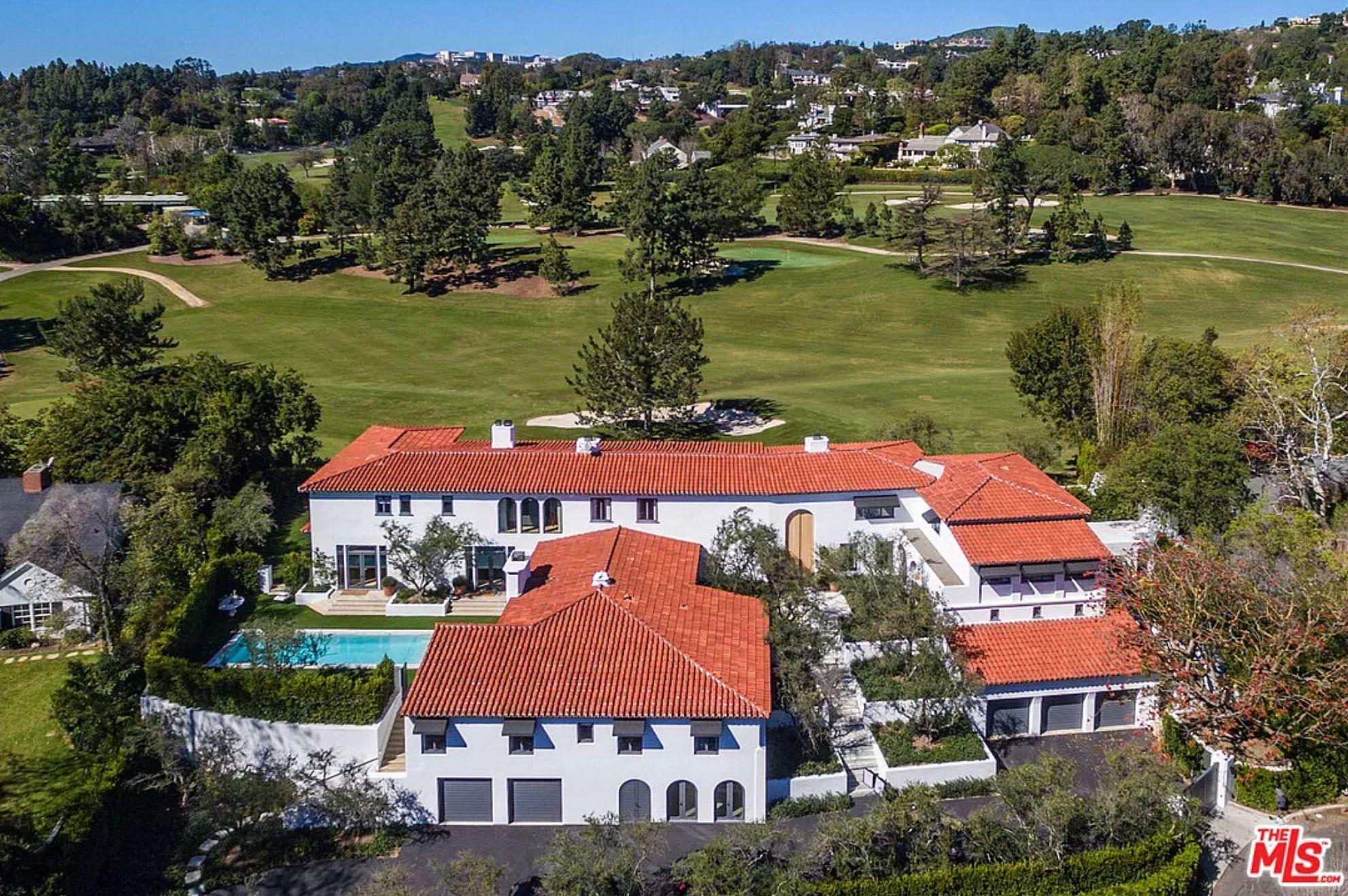 Lori Loughlin's $ 28 million Bel Air Villa is for sale