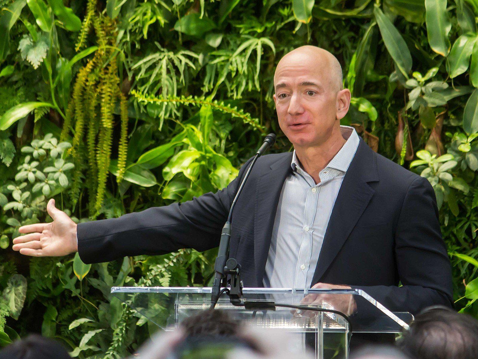 Billionaire Bezos Buys Estate For $165 Mn