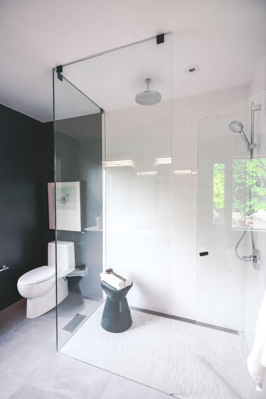 1414Bayview_SalesGallery_Shower