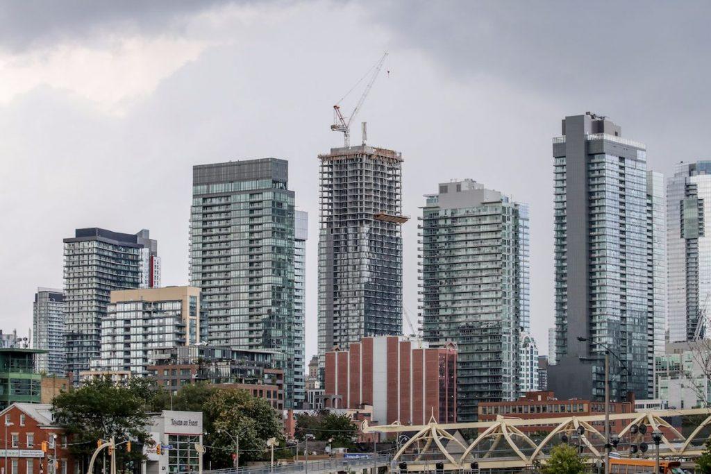 Canada-housing-market-immigration