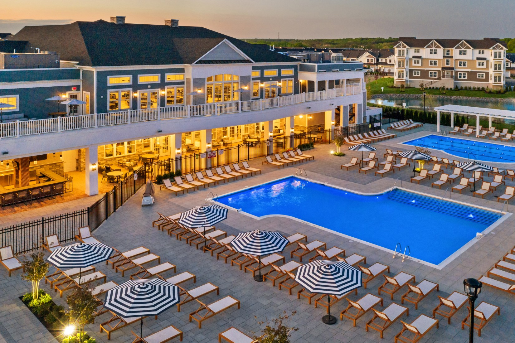 Country Pointe Offers Year Round Resort Living In Plainview Ny