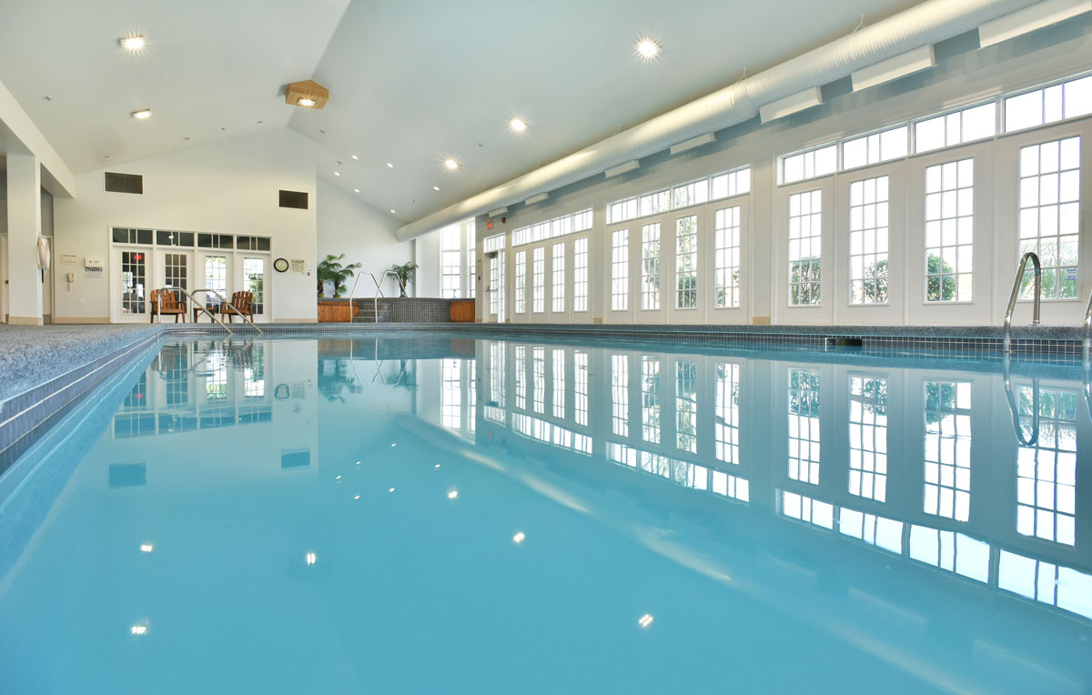 The Residences at Hunters Pointe_CommunityCentrePool